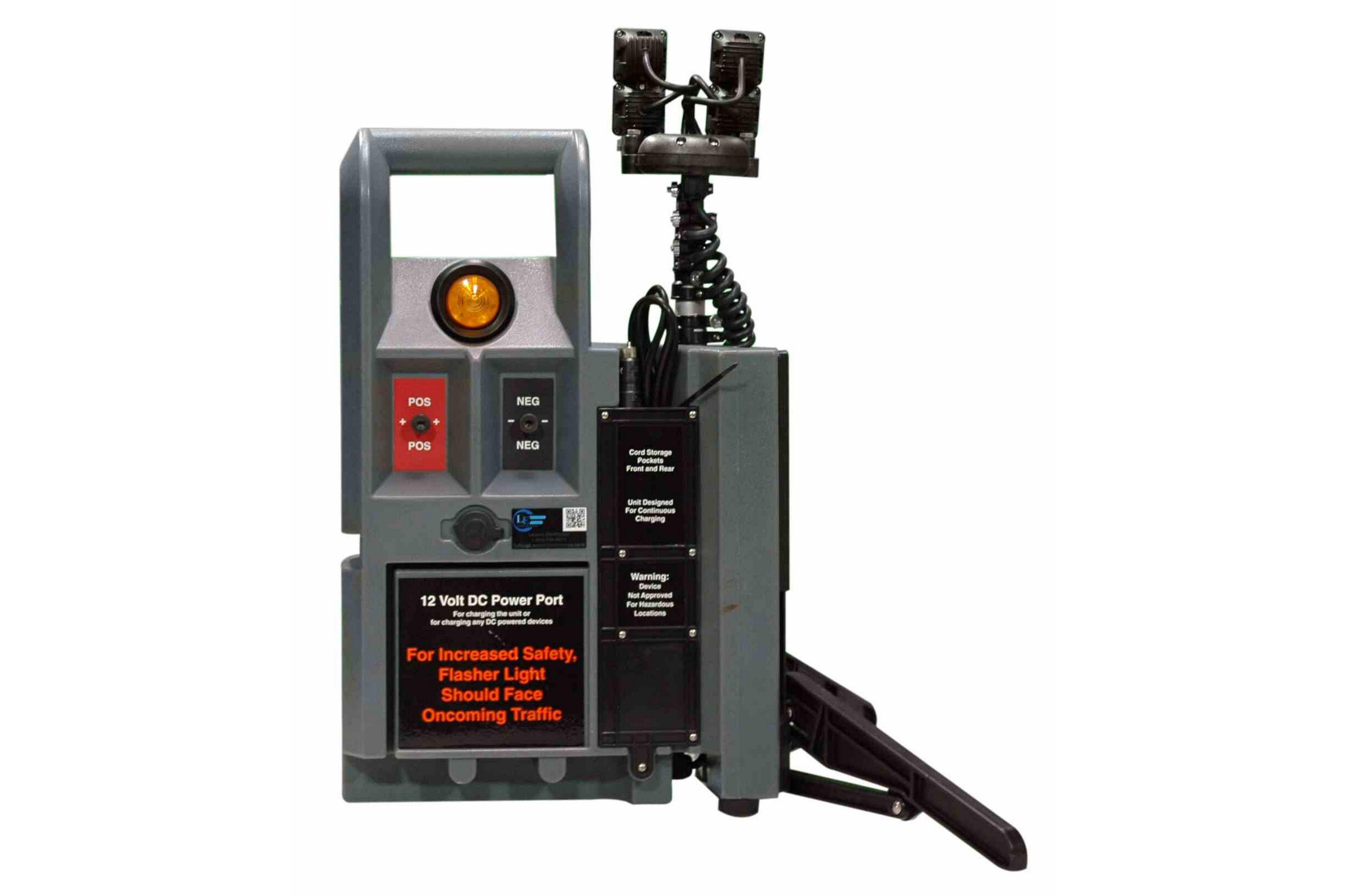 Portable Telescopic Light Tower: Portable LED Light Tower W/ Telescoping Light Heads