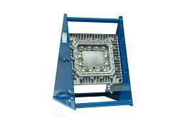 Luz de área de trabajo portátil 150 Watt LED - Marco de aluminio - Cabeza de luz ajustable - Cable 10 '- 120-277V