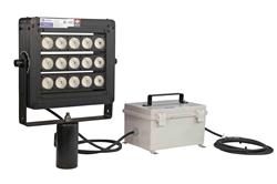 Luz LED de alta intensidad 160 Watt - 21,600 lúmenes - 347-480VAC - Ajuste superior deslizante en polo - Outdoor Rated