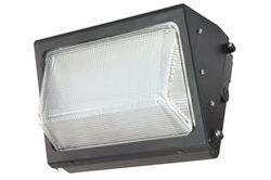 Paquete de pared LED tradicional 135 Watt - Reemplaza los accesorios de halogenuros metálicos 400 Watt - 120-277V AC - IP65