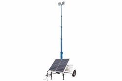 Torre de luz solar 30 - Trailer 7.5 - lâmpadas LED (2) com sensor, câmera PTZ (1) - gerador de gás de backup - interruptor de rede 48P