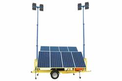 2.4KW Güneş Enerjili Güvenlik Çift Direkli Işık Kulesi - (8) 120W LED Işıklar - (2) 30 'Manuel Direkler