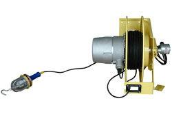 Luz de caída fluorescente compacta a prueba de explosiones con carrete de cable - 26 Watt - 1700 Lumen - Cable de red 50 '