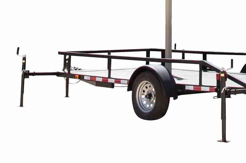 Retractable outriggers with 1,000 lb manual crank jacks and tail lights.